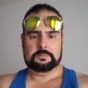 buscar hombres solteros con foto como Diego