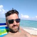 buscar hombres solteros con foto como Maxi Lucas