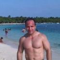 single men with pictures like Juan José