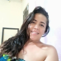 single women with pictures like Deiris Barbosa