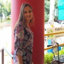 amor y amistad con mujeres como Abril Rivas