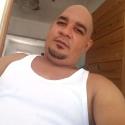 single men with pictures like Rafael Vásquez