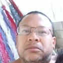single men with pictures like Julio Estuardo